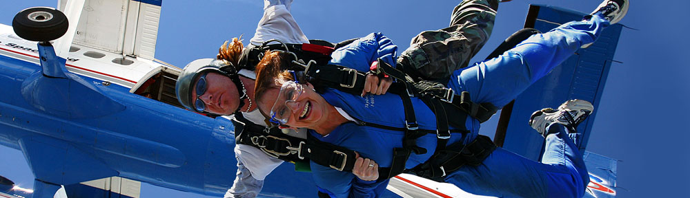 Skydive Spaceland Tandem Instructors